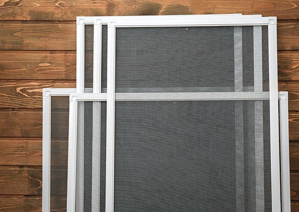 Insektenschutzgitter für jede Fenstergröße | Seitz Manufaktur in Weigendorf